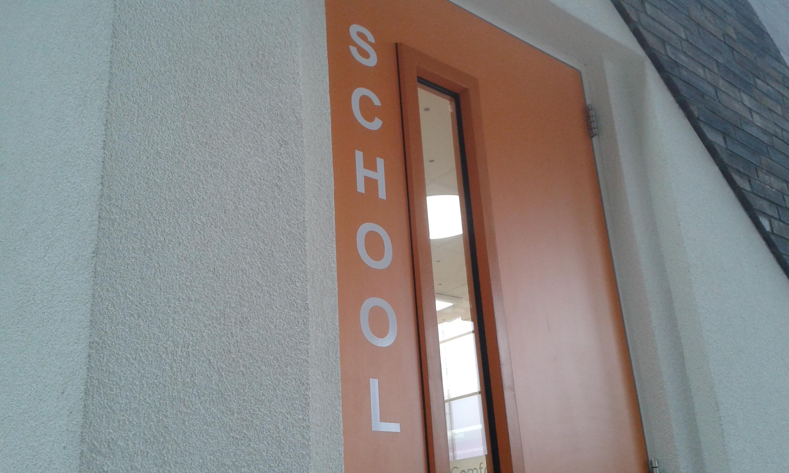 00 school